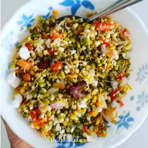 Benefits of eating moong sprouts